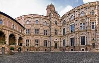 200px-Hôtel_d'Assézat,_toulouse_(panorama).jpg